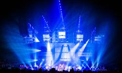 Nickelback_Dark_Horse_Amazing_Industries_09